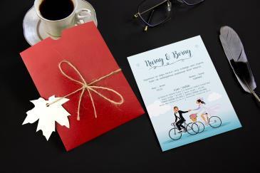 Bisikletli en güzel düğün davetiye modeli